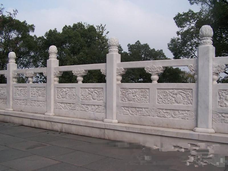 石雕欄板八棱柱子