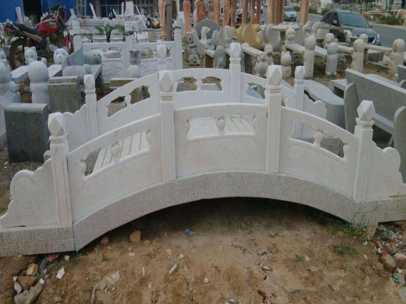 橋梁石頭欄板