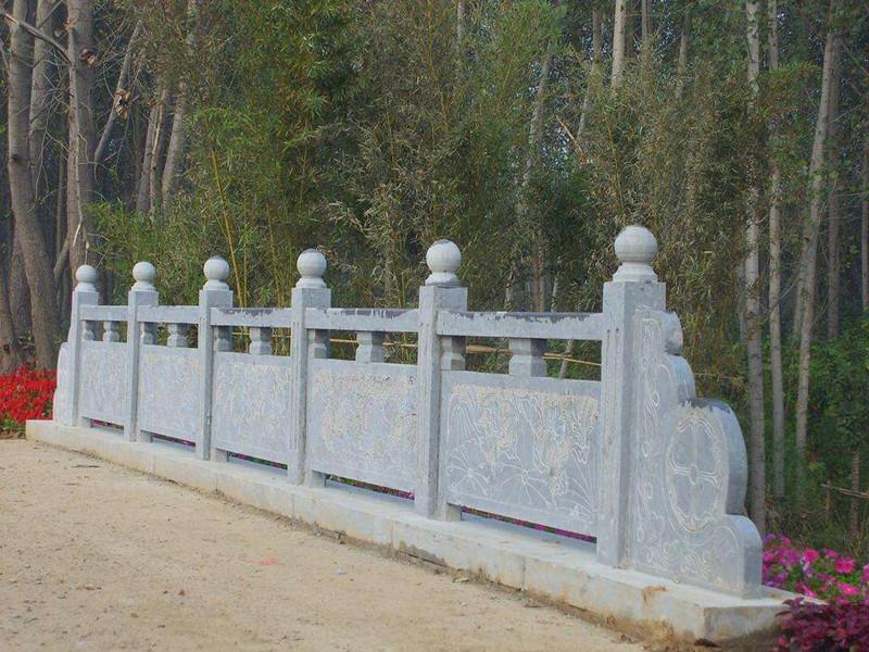 沿河石頭欄板